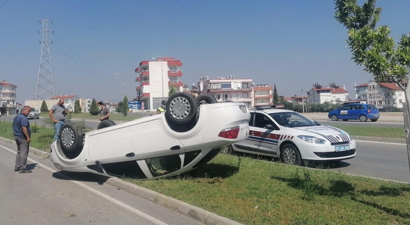 TAKLA ATAN OTOMOBİLDE BURNU BİLE KANAMADI
